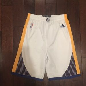 Boys L Adidas Golden State basketball shorts